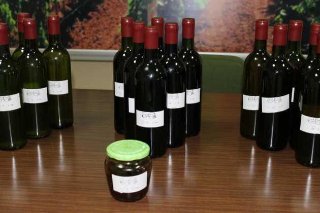 IV concurso de vinos mistelas arropes en Herencia 13 630x420 - Entrega de Premios en el IV Concurso de vinos, mistelas y arropes tradicionales