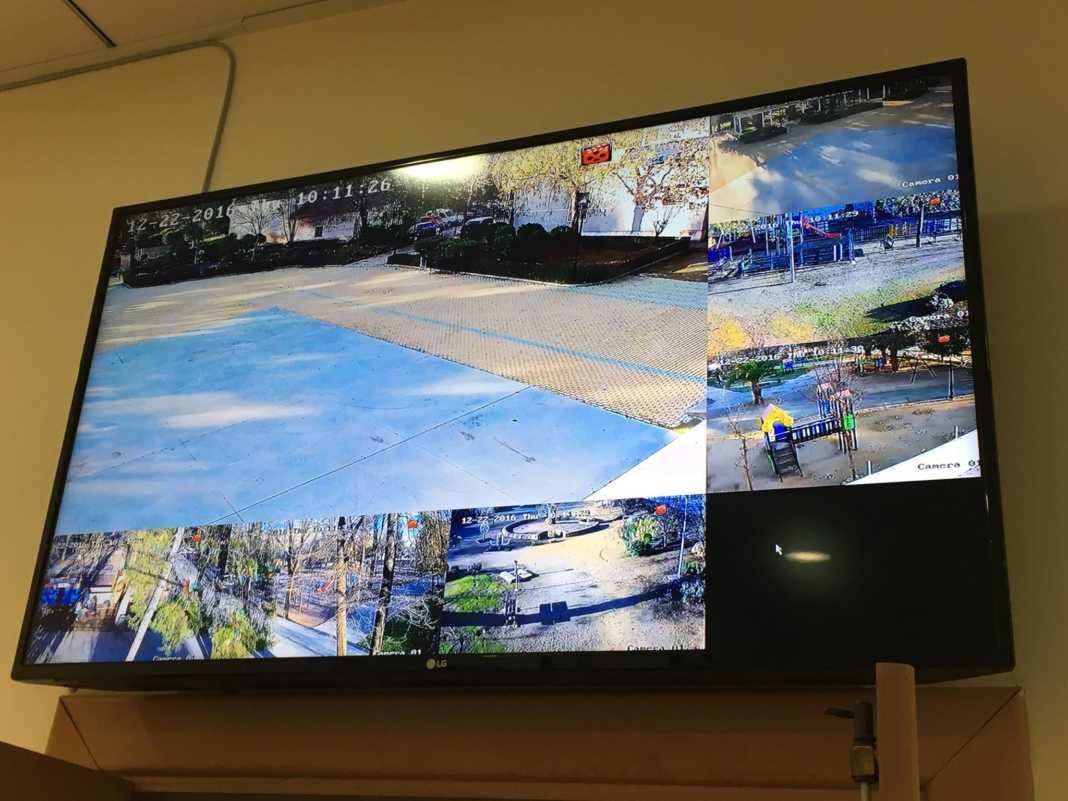 El alcalde conoce el sistema de cámaras que vigilan Herencia 6