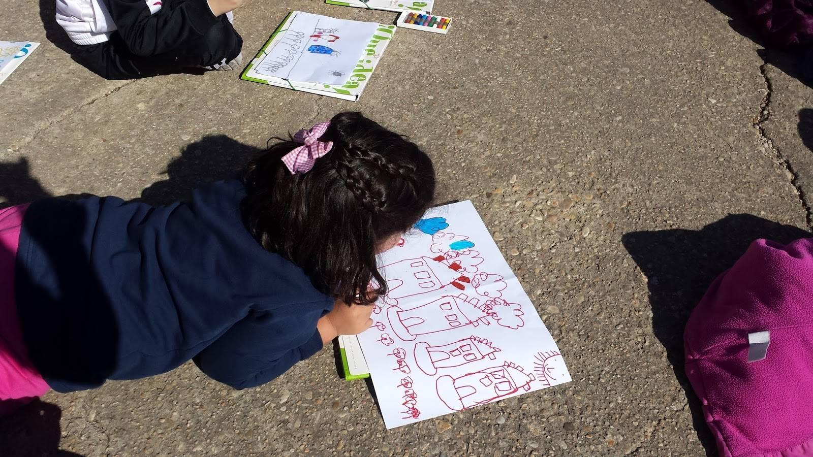 alumna del ceip carrasco alcalde de herencia dibujando - El cartel de Carnaval 2017 del CEIP Carrasco Alcalde