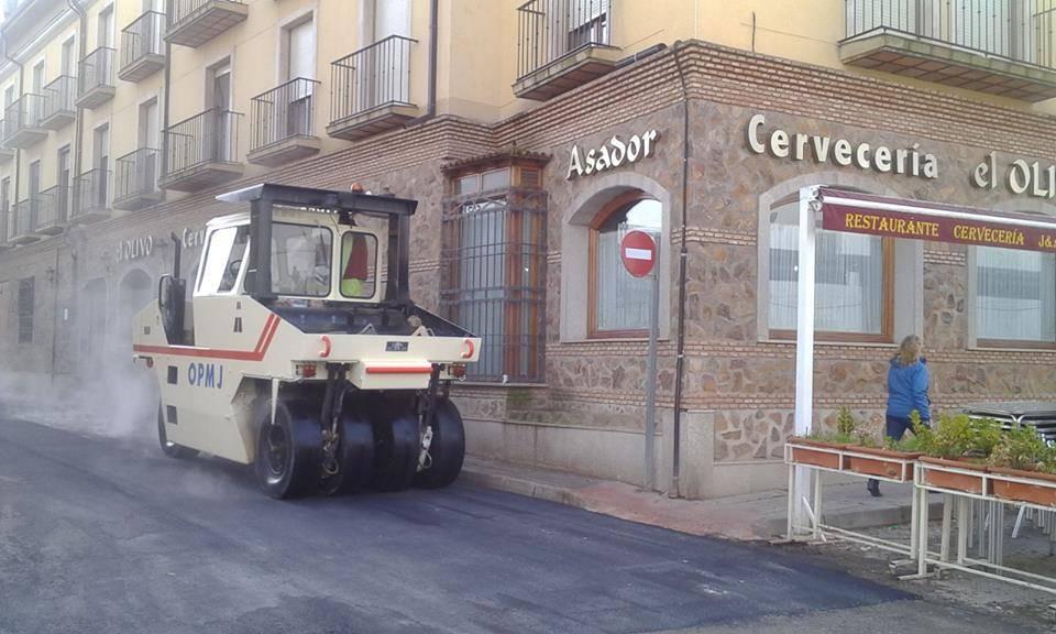 asfaltado de calle gomez montalban 4 - Asfaltado de calles en Herencia