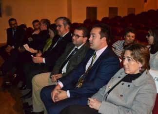 Autoridades y representantes de empresas en Gala del Cine.