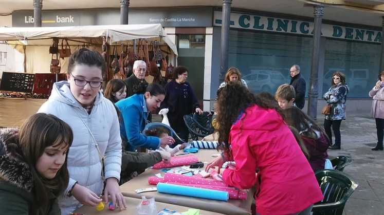 compras en la calle y manualidades en herencia 8 747x420 - El Festival de las compras en la calle cambia de día por el tiempo