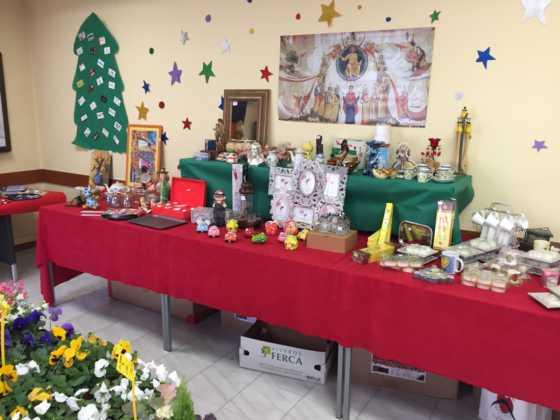 mercadillo solidario del santo entierro04 560x420 - Abierto el mercadillo solidario del Santo Entierro