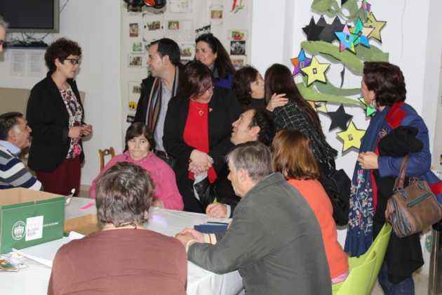 Carmen Olmedo Visita residencia personas discapacidad Carpe Diem Herencia 3 630x420 - La Delegada de la Junta visita Herencia y hace un balance del Área de Bienestar social