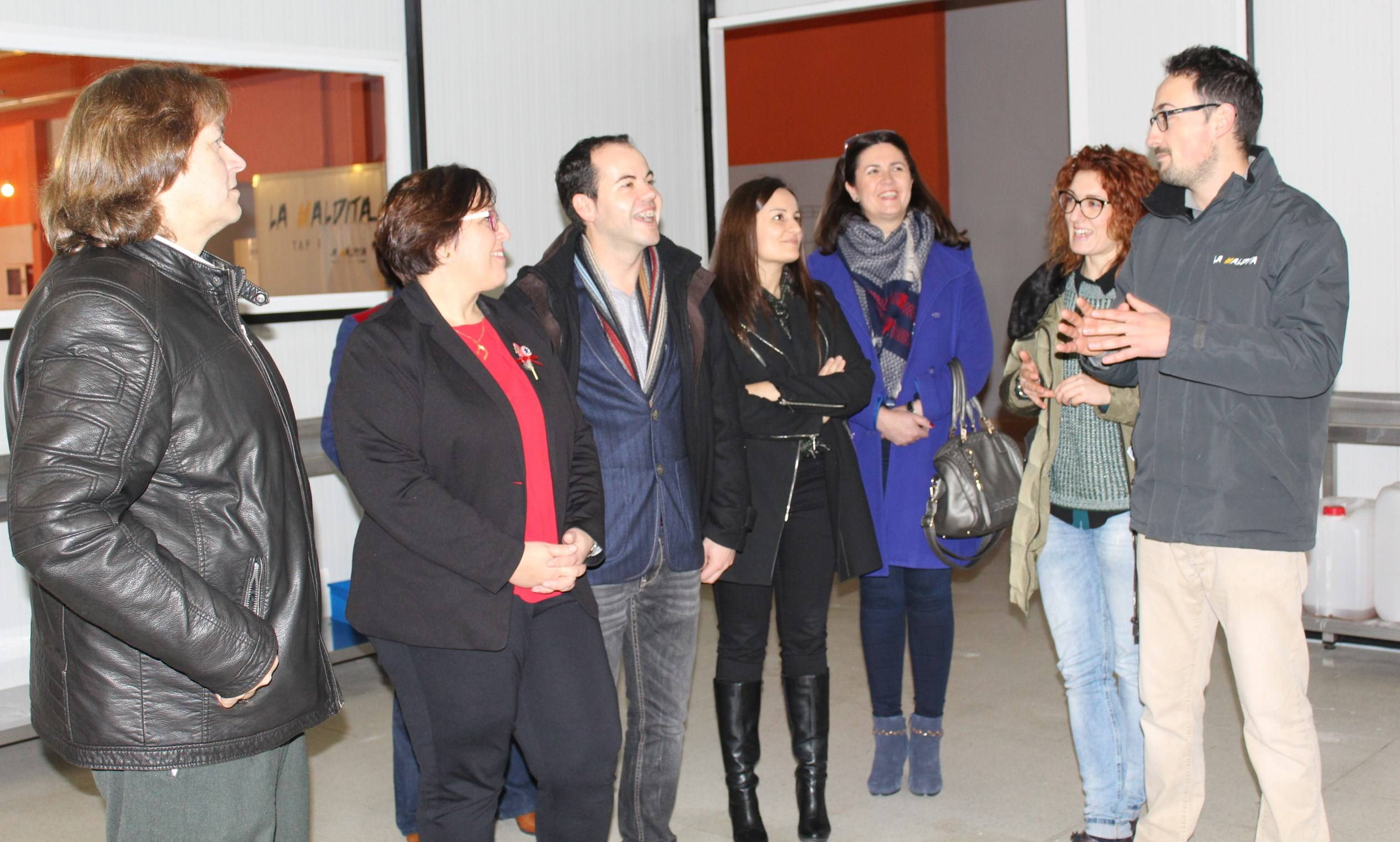 Carmen Olmedo visita cerveza La Maldita 2 - Olmedo visita La Maldita y hace balance del empleo regional
