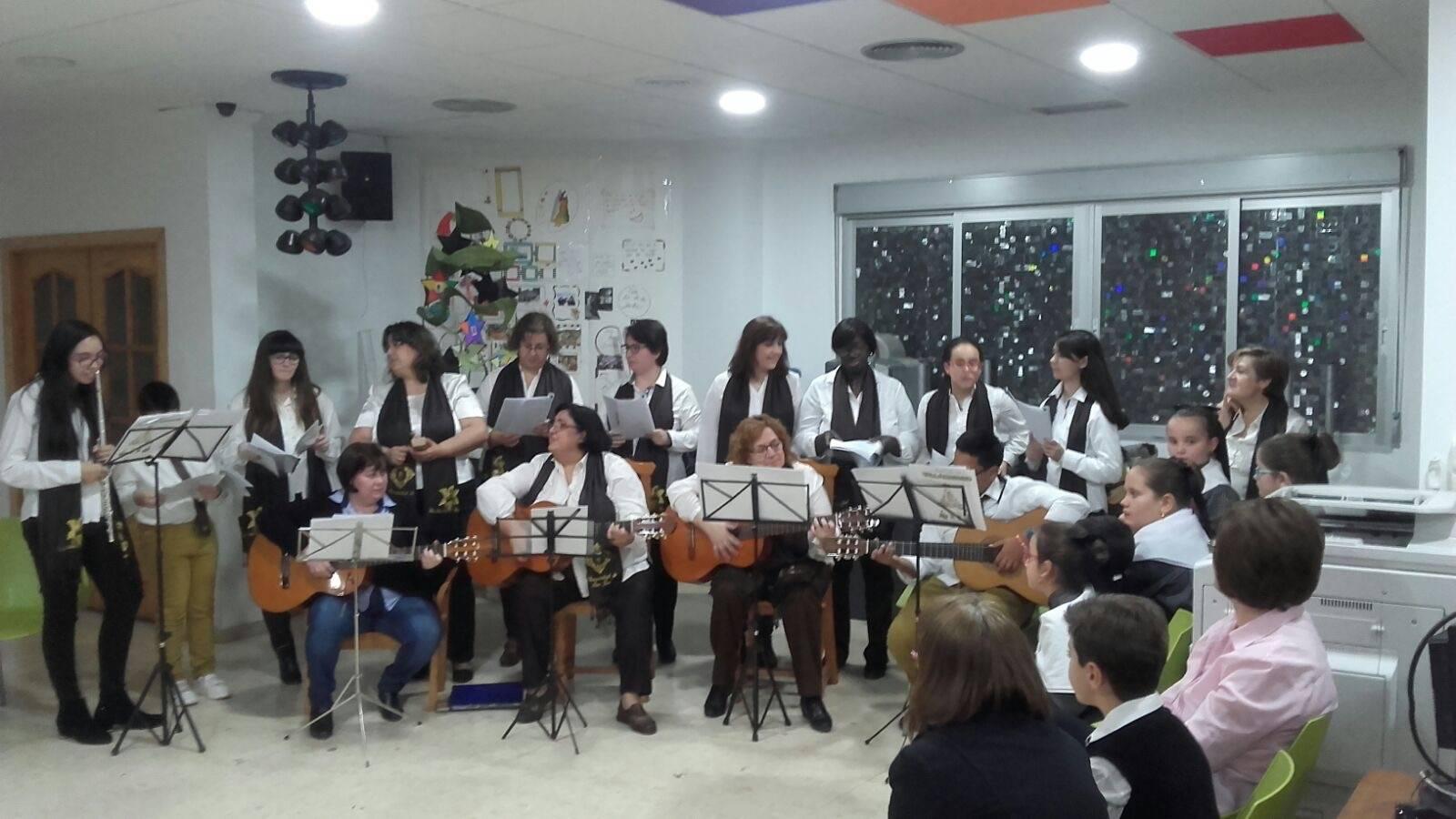 Coro de la azucena de san jose cantnado villancicos13 - Ruta de villancicos de la hermandad de San José y el grupo de coros y danzas infantil