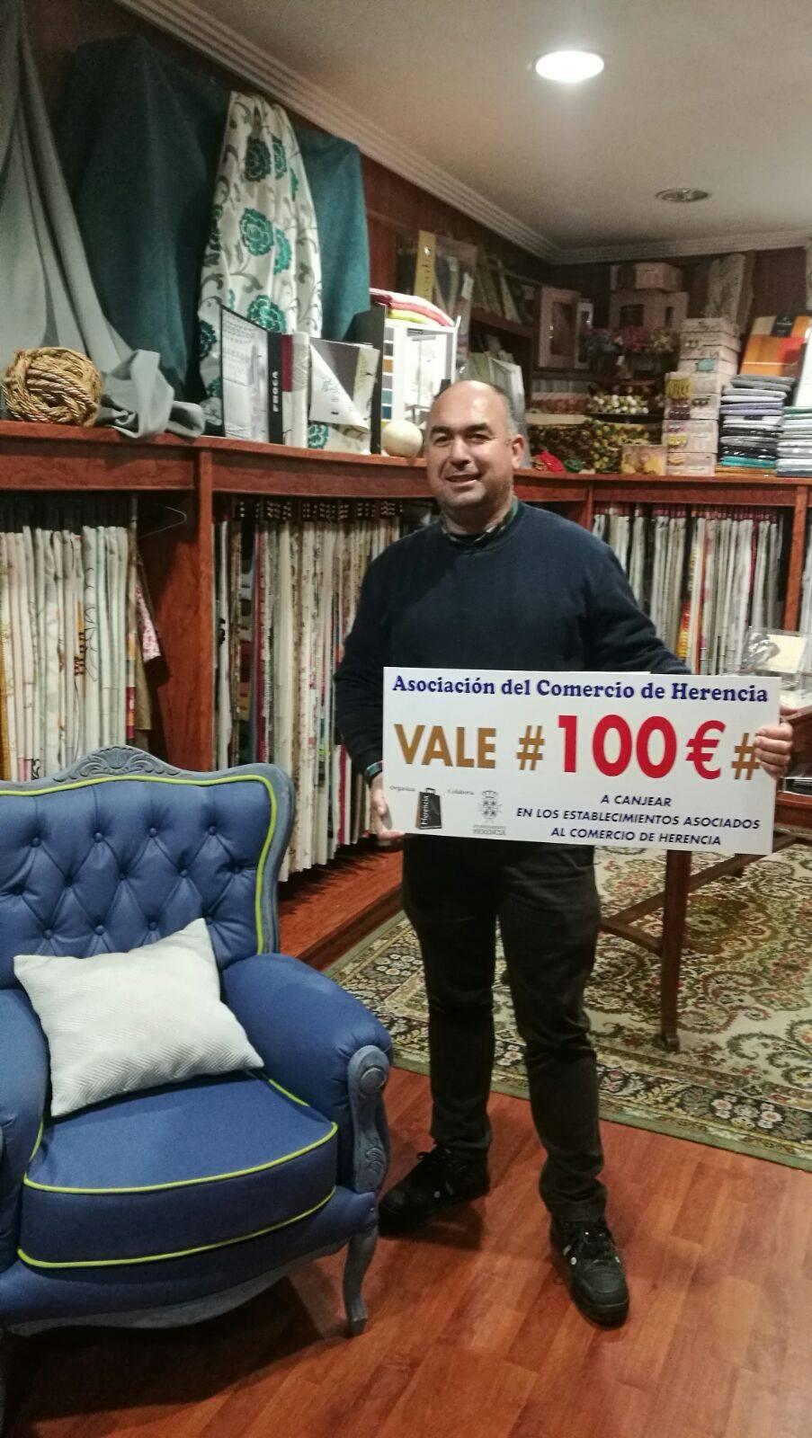 Ganador del premio de 100 euros del comercio de Herencia - Ganadores del sorteo de los cheques regalo de la Asociación del Comercio