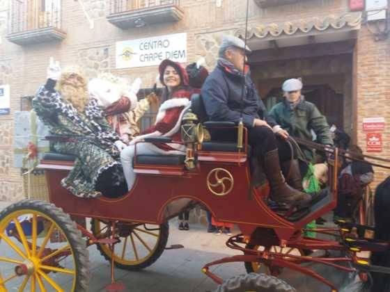 Los Reyes Magos pasan por Herencia repartiendo ilusión 16