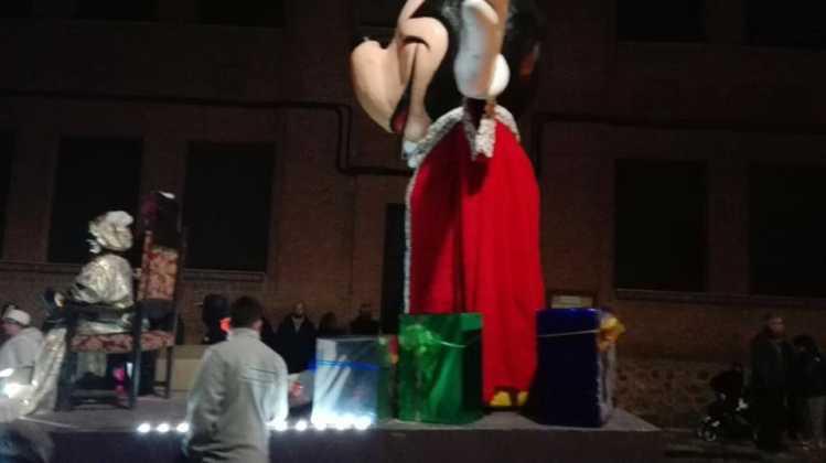Los Reyes Magos pasan por Herencia repartiendo ilusión 12