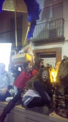 Los Reyes Magos pasan por Herencia repartiendo ilusión 3