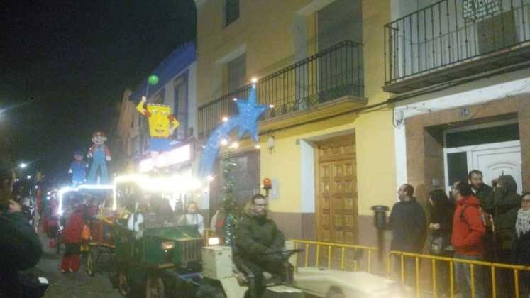 Los Reyes Magos pasan por Herencia repartiendo ilusión 4