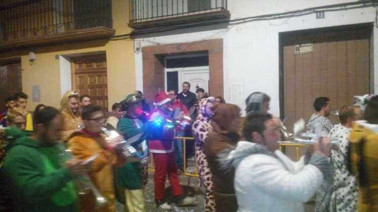 cabalgata de reyes magos herencia 5 747x420 - Los Reyes Magos pasan por Herencia repartiendo ilusión