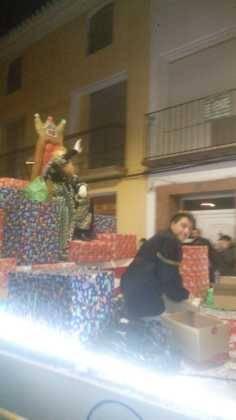 Los Reyes Magos pasan por Herencia repartiendo ilusión 6