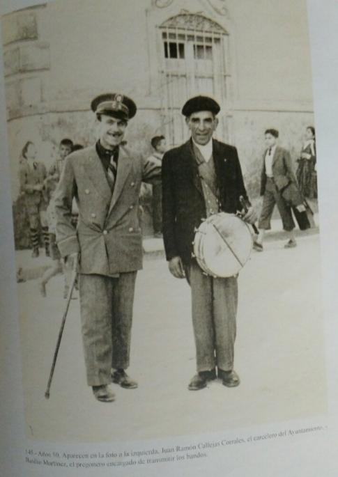 carcelero y pregonero de herencia - Jesús Mata dona a Herencia un cuadro con dos antiguos oficios municipales