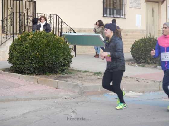 carrera popular 2017 san anton 13 560x420 - Fotografías de la Carrera popular de San Antón contra el cáncer