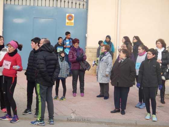 carrera popular 2017 san anton 14 560x420 - Fotografías de la Carrera popular de San Antón contra el cáncer