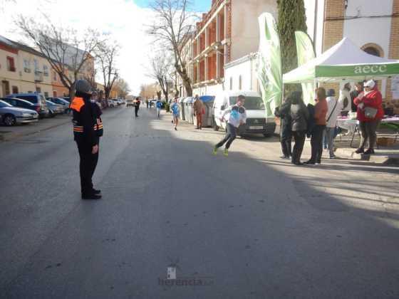 carrera popular 2017 san anton 19 560x420 - Fotografías de la Carrera popular de San Antón contra el cáncer