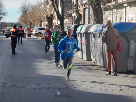 carrera popular 2017 san anton 21 560x420 - Fotografías de la Carrera popular de San Antón contra el cáncer