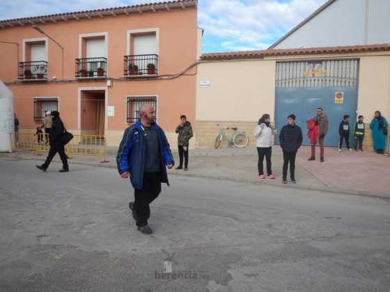 carrera popular 2017 san anton 7 560x420 - Fotografías de la Carrera popular de San Antón contra el cáncer
