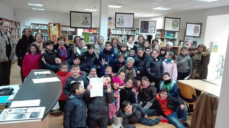 """club de lectura dulcineas - Los participantes del Club de Lectura """"Dulcineas"""" comparten recetas con los más pequeños"""