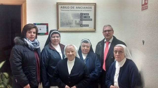 """convenio caixa hermandad jesus nazareno - La obra social """"La Caixa"""" renueva su convenio solidario con la Hermandad Padre Jesús Nazareno"""