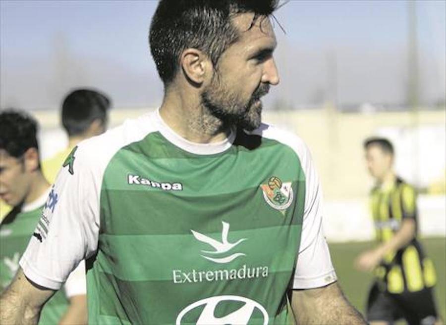 Elías Molina Prados en El Periódico de Extremadura 1