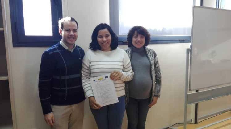 """Entrega de los diplomas del curso de """"Atención sociosanitaria a personas en instituciones"""" 11"""
