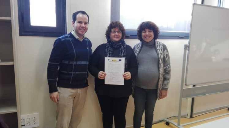 """Entrega de los diplomas del curso de """"Atención sociosanitaria a personas en instituciones"""" 2"""
