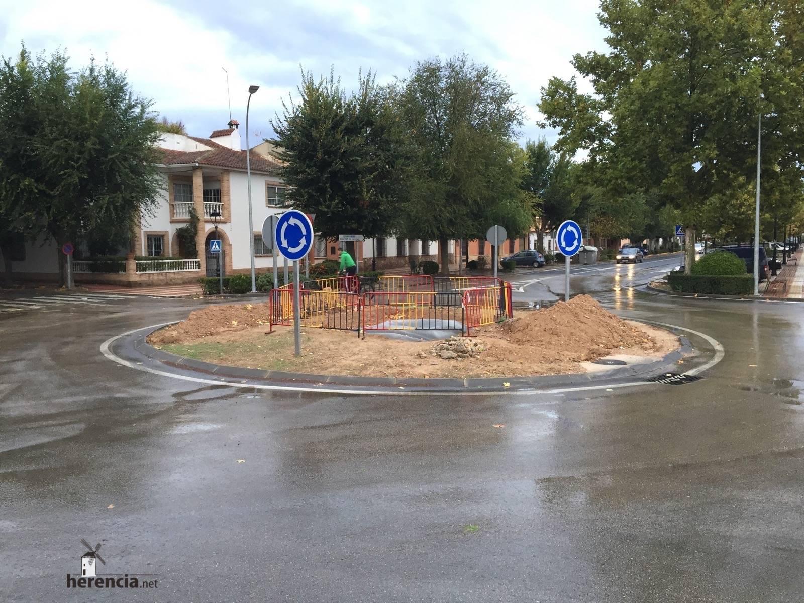 glorieta de entrada a herencia - Herencia instalará una escultura de un Perlé en la rotonda de la Avda. Alcázar