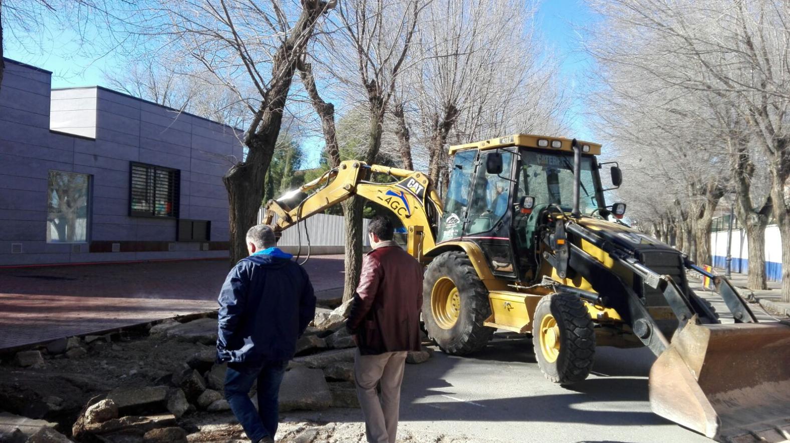 obras en avenida tierno galvan 1 - Siguen las obras para mejorar la accesibilidad en la Avenida Tierno Galván