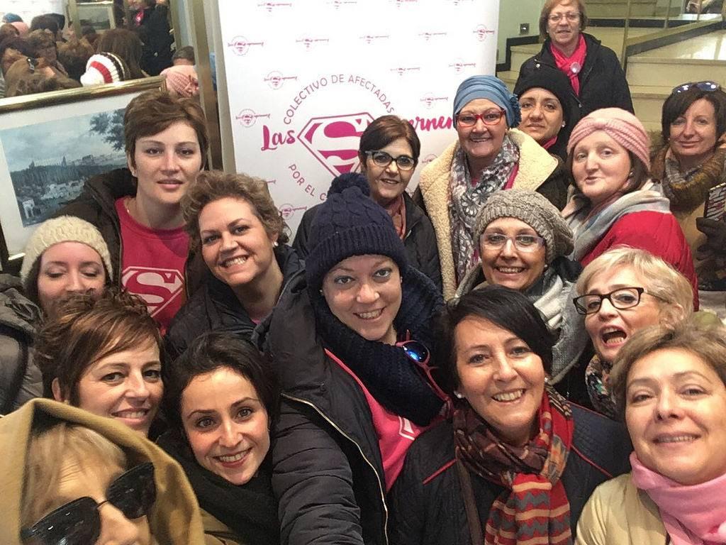 supernenas en madrid - Las supernenas llevan la alegría a dos hospitales de Madrid