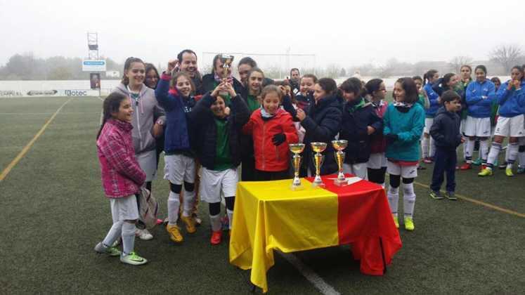 Fotografías del Torneo de Fútbol-8 Femenino 19