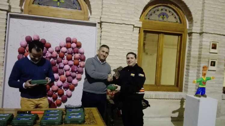 Viveros Ferca colabora con Protección Civil de Herencia donando linternas 1