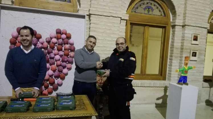 Viveros Ferca colabora con Protección Civil de Herencia donando linternas 5