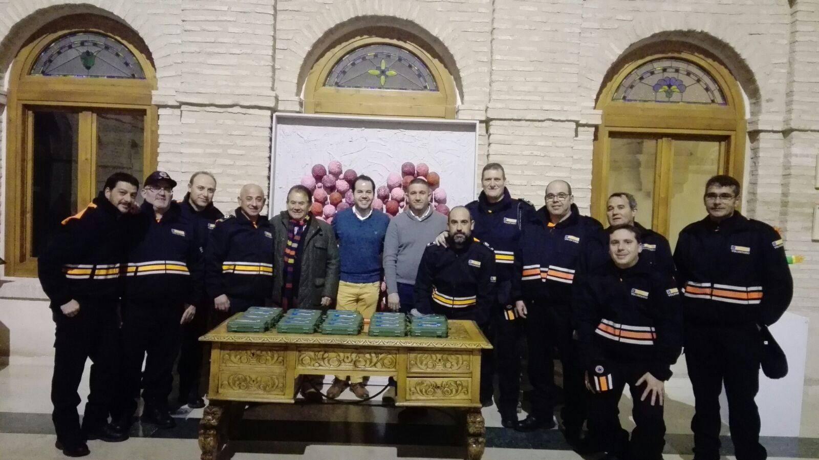viveros ferca colabora con proteccion civil de herencia 8 - Viveros Ferca colabora con Protección Civil de Herencia donando linternas