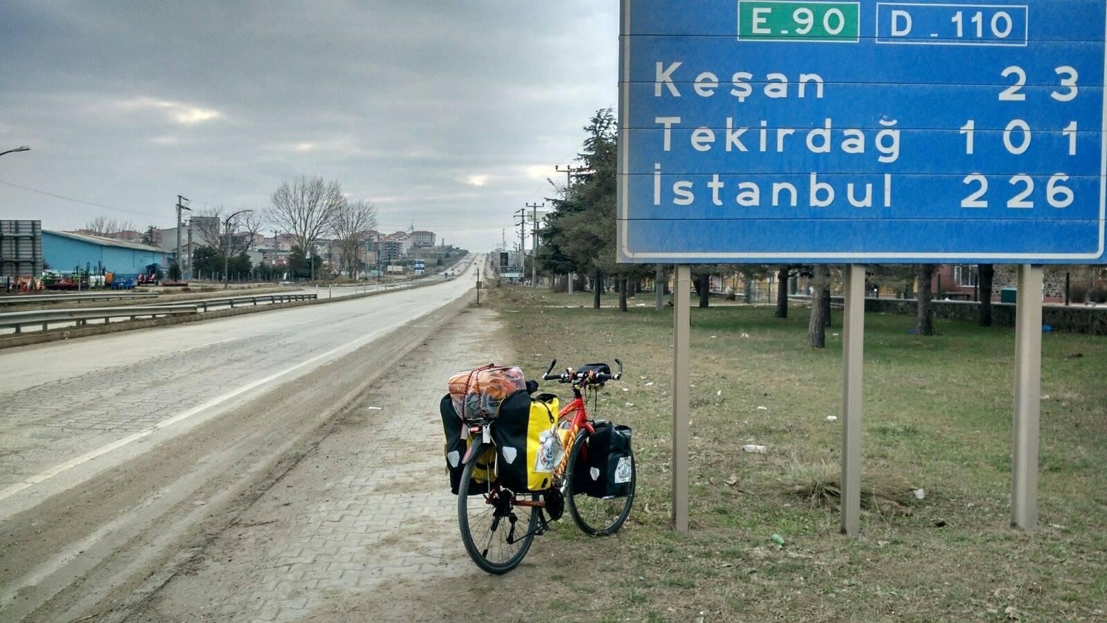 Etapa 31 Perle entrando en Turquia16 - Perlé entrando en Turquía,el continente asiático se presenta ante nuestro caballero