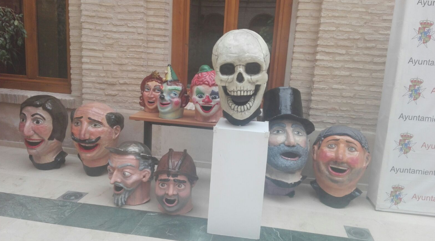 cabezudos listo para carnaval de herencia2017