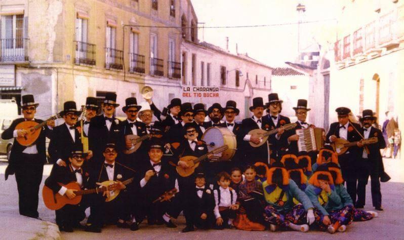 """charanga tio bucha 1980 carnaval de herencia 1 - Carnaval de Herencia, la charanga del """"Tio Bucha"""", años 1980"""