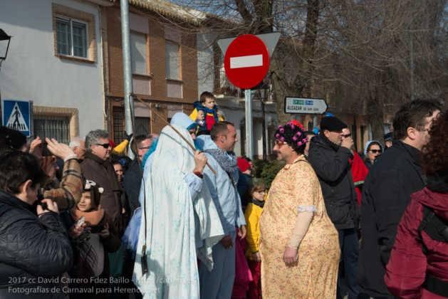 escultura perle en domingo deseosas carnaval herencia 17 629x420 - Un Perlé de más de tres metros da la bienvenida al Carnaval de Herencia
