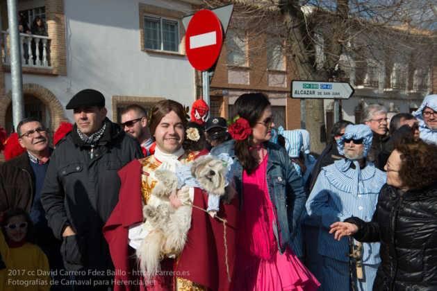Un Perlé de más de tres metros da la bienvenida al Carnaval de Herencia 25