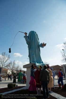 escultura perle en domingo deseosas carnaval herencia 31 280x420 - Un Perlé de más de tres metros da la bienvenida al Carnaval de Herencia