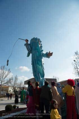 Un Perlé de más de tres metros da la bienvenida al Carnaval de Herencia 36