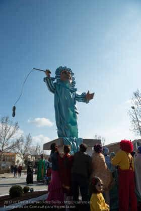 Un Perlé de más de tres metros da la bienvenida al Carnaval de Herencia 37