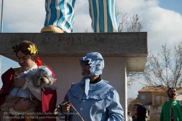 Un Perlé de más de tres metros da la bienvenida al Carnaval de Herencia 42