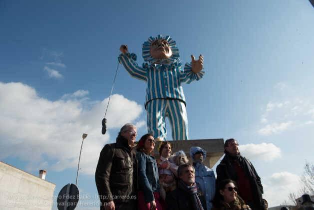 escultura perle en domingo deseosas carnaval herencia 41 629x420 - Un Perlé de más de tres metros da la bienvenida al Carnaval de Herencia