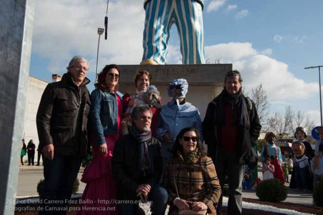 escultura perle en domingo deseosas carnaval herencia 42 629x420 - Un Perlé de más de tres metros da la bienvenida al Carnaval de Herencia