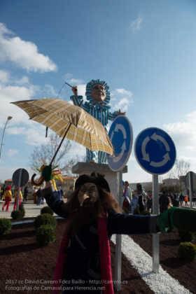 Un Perlé de más de tres metros da la bienvenida al Carnaval de Herencia 50