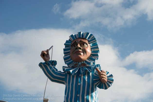 escultura perle en domingo deseosas carnaval herencia 49 629x420 - Un Perlé de más de tres metros da la bienvenida al Carnaval de Herencia