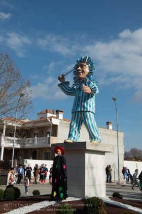 escultura perle en domingo deseosas carnaval herencia 52 280x420 - Un Perlé de más de tres metros da la bienvenida al Carnaval de Herencia
