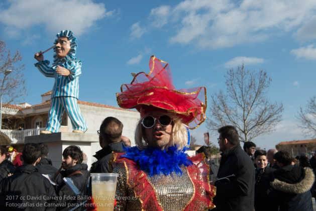 Un Perlé de más de tres metros da la bienvenida al Carnaval de Herencia 60